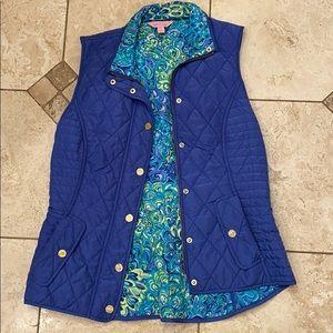 XS Lilly Pulitzer Blake Vest in Blue Iris Print